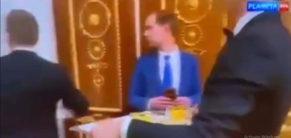 Никол Пашинян в Москве обедал с Алиевым (видео)