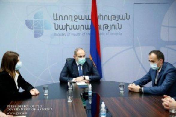 Пашинян приехал в Минздрав ранним утром, чтобы в здании не было сотрудников, и его никто не заметил