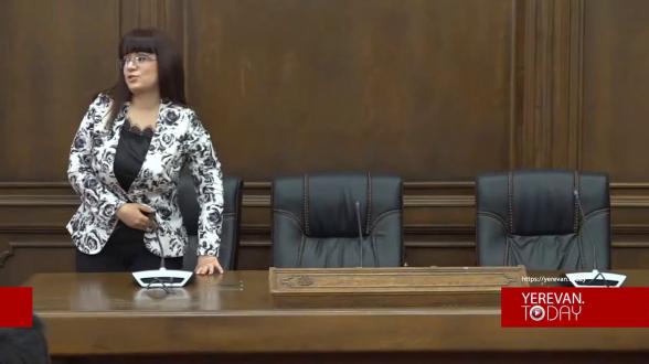 Իմքայլական պատգամավորները հրաժարվեցին պատասխանել՝ Շուշին հայկակա՞ն է, թե՞ ոչ, և լքեցին ասուլիսի սրահը (տեսանյութ)