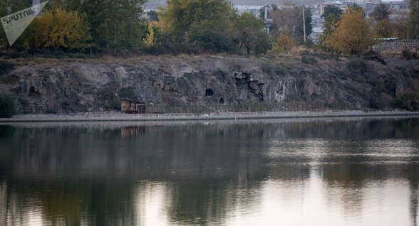 Երևանյան լճի հարակից քարանձավում դի են գտել