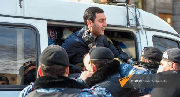 Ոստիկանությունը բերման է ենթարկել բողոքի ակցիա իրականացնողներից 51-ին