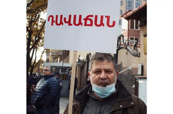 Ոստիկանական գործողությունների հետևանքով կոտրվել է ՀՅԴ անդամ Ռազմիկ Արաբյանի ոտքը․ Ռազմիկը հայրենադարձ է