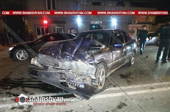 Շղթայական ավտովթար Երևանում. բախվել են 2 Mercedes-ները, Kia-ն ու Renault-ը. կան վիրավորներ