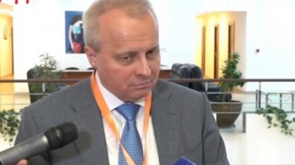 Посол России в Армении прокомментировал снятие указателей на русском языке в Ереванском метрополитене (видео)