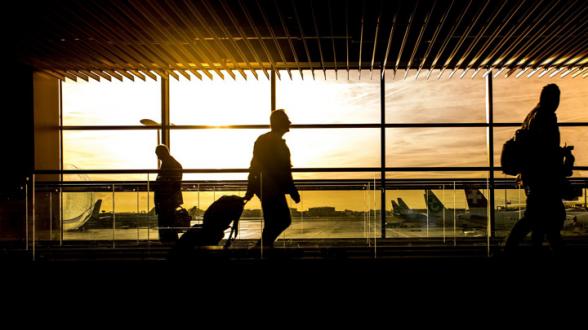 С 15 апреля приостановлено авиасообщение России с Турцией и Танзанией (видео)