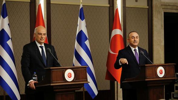 Переговоры глав МИД Турции и Греции в Анкаре закончились упреками