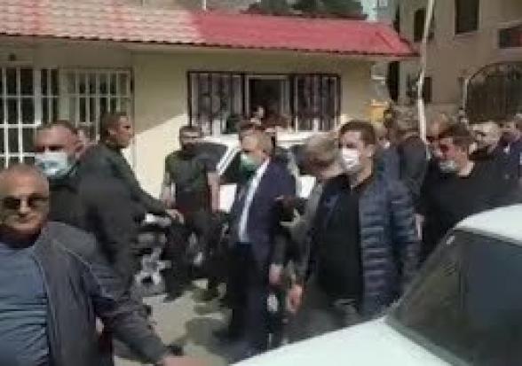 Никол Пашинян: «Привет, народ», житель Сюника: «Привет, с…н сын» (видео, 18+)