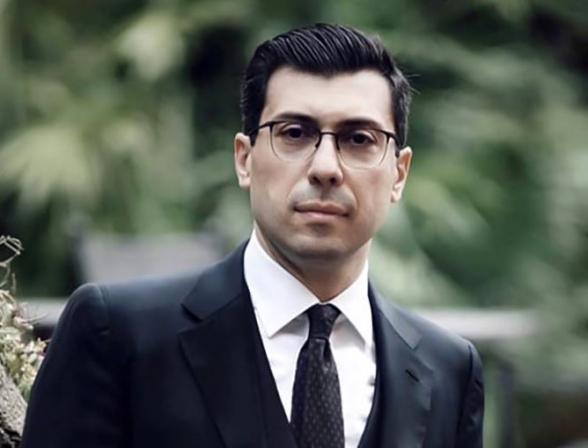 Слова, смертельно оскорбительные для любого армянского мужчины, не остановили Никола от прогулки по Сюнику