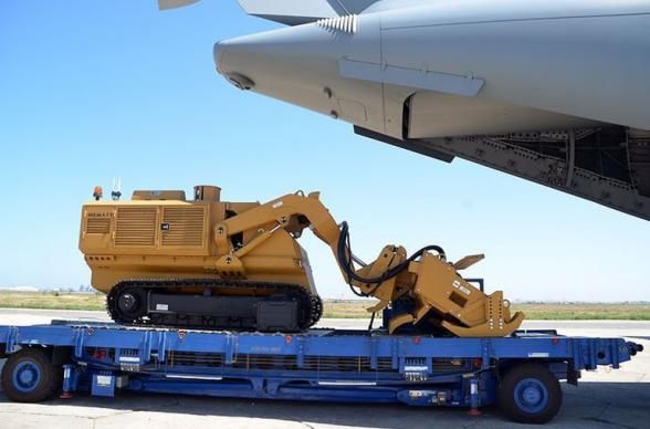 В Азербайджан доставлена закупленная у Турции техника для разминирования в Карабахе (видео)
