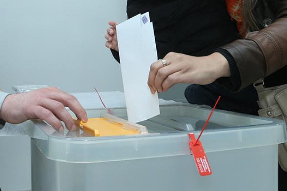 Պետական գերատեսչություններում աշխատակիցների վրա քվեներ բերելու «պլան» է դրվել․ «Փաստ»