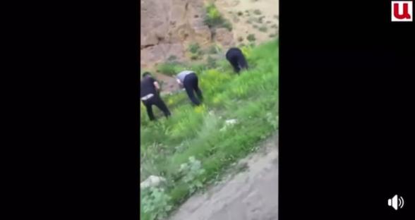 Ադրբեջանական բեռնատարները Շոշի ճանապարհով շինանյութ են տեղափոխում Շուշի և զբոսնում մեր հատվածներում (տեսանյութ)