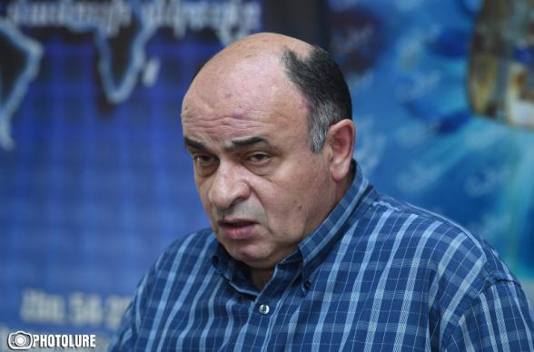 Նիկոլը համոզված է, որ եթե ինքն ընտրվել է երկրի ղեկավար, ապա Հայաստանում գերակշռում են հիմարները