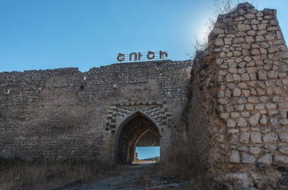 Алиев объявил армянский Шуши культурной столицей Азербайджана