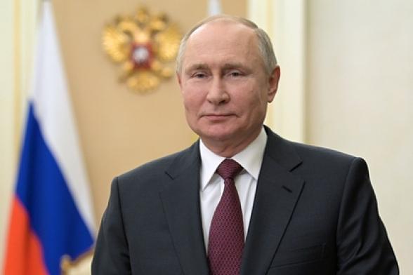 Путин поздравил страны СНГ с Днем Победы
