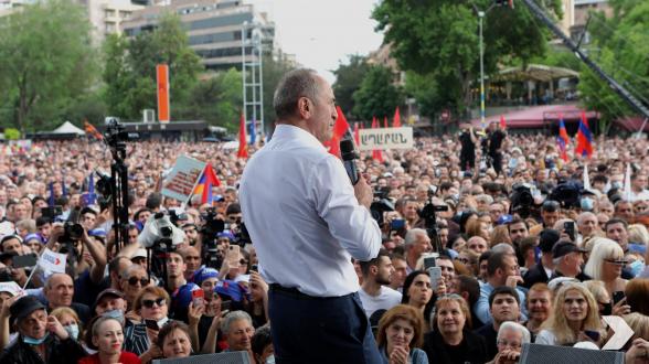 В митинге возглавляемого Робертом Кочаряном блока «Армения» приняли участие порядка 33 тысяч человек – «Past.am»