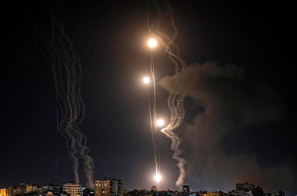 Թել Ավիվը ինտենսիվ հրթիռակոծվել է Գազայի հատվածից, Իսրայելի բանակն էլ ի պատասխան վերսկսել է Գազայի հատվածի ռազմական կարևոր օբյեկտների ուղղությամբ հրթիռային հարվածները (տեսանյութ)