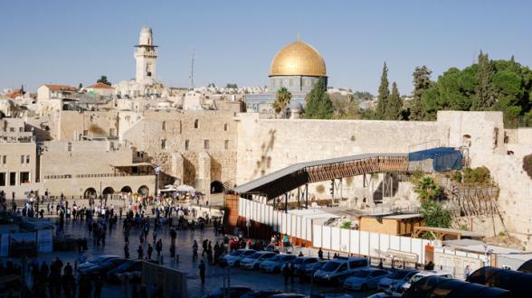 На Храмовой горе в Иерусалиме Ид-аль-Фитр празднуют 100 тысяч палестинцев