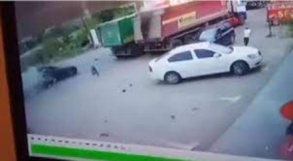 Երթևեկելու ընթացքում պայթել է Վանաձորի 35-ամյա բնակչի «Մերսեդես-Բենց E-350» մակնիշի ավտոմեքենայի գազի գլանանոթը. վարորդը տեղում մահացել է (տեսանյութ)