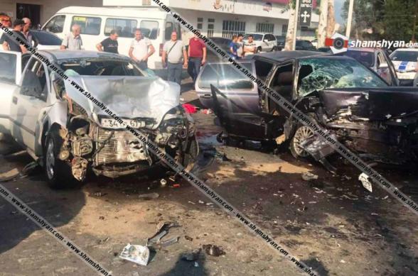 Վանաձորում բախվել են Opel-ն ու Volkswagen–ը. հիվանդանոց տեղափոխված 7 վիրավորներից հղի կնոջ 7 ամսական երեխան ծննդաբերության ժամանակ մահացել է