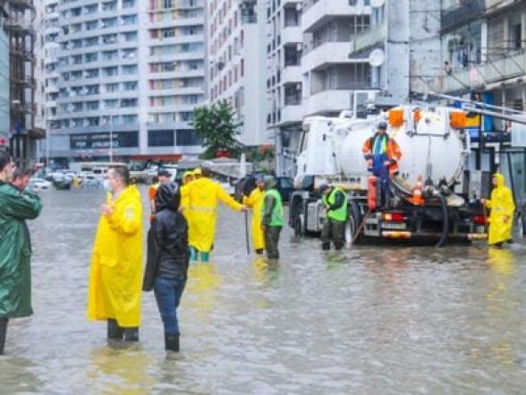 В Батуми проливные дожди затопили первые этажи зданий