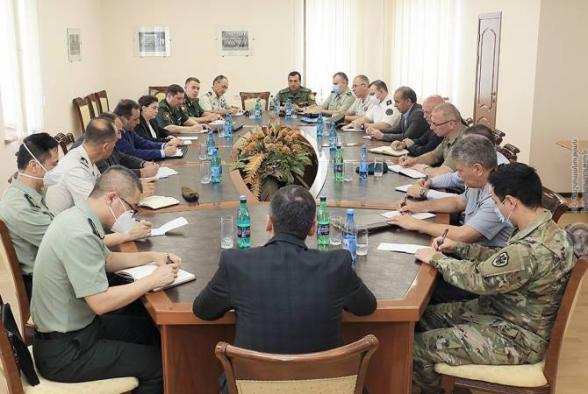 Ժամանակավորապես գրավել են հայկական գերիշխող հենակետը. ՊՆ ներկայացուցիչը՝ ՀՀ-ում հավատարմագրված ռազմական կցորդներին