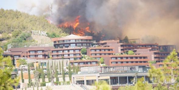 Генконсульство РФ в Анталье призвало туристов быть готовыми к эвакуации из отелей
