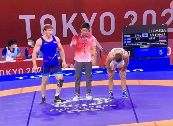 Токио-2020: армянские борцы Карапет Чалян и Артур Алексанян вышли в полуфинал