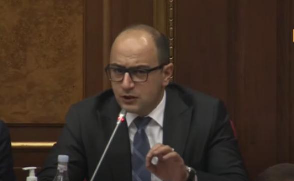 «Освободить удерживаемых в заложниках депутатов»: фракция «Честь имею» присоединилась к требованию фракции «Армения» (видео)