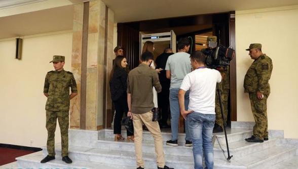 Լրագրողներն ԱԺ-ում ստորագրահավաք են սկսել