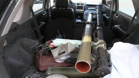 В городе Дераа в Сирии боевики сдают оружие войскам правительства (видео)