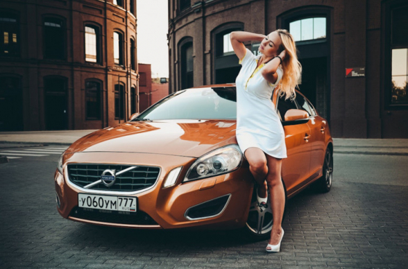 «Volvo» показала новый логотип (фото)
